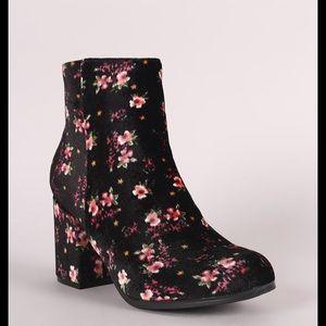 Qupid velvet floral block heels ankle boots